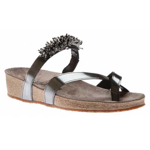 Mephisto Ingrid Toe Thong Sandal features pearl appliqués for a truly elegant look. This sandal protects your feet, joints and vertebrae, while maintaining proper hygiene. Available in Grey