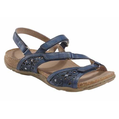 Sand Maui sandal can handle everything from a day at the beach to a night dressed up on the town. Available in Alpaca 2, Black, Bright Red, Metal Alloy, and Sapphire Blue