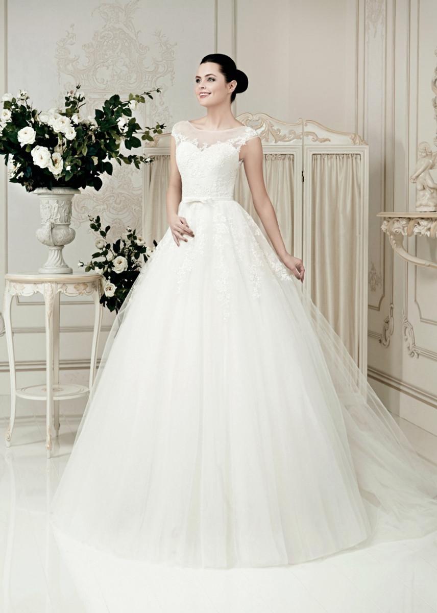 Short Sleeve Lace Wedding Dress