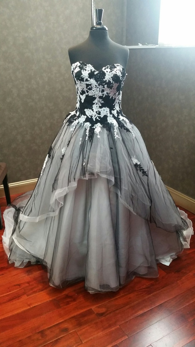 Black and White Tulle and Lace Wedding Dress