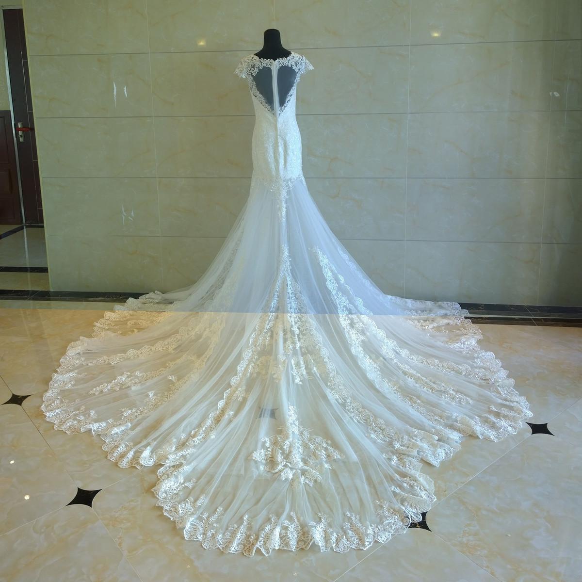 Heart shaped back wedding dress