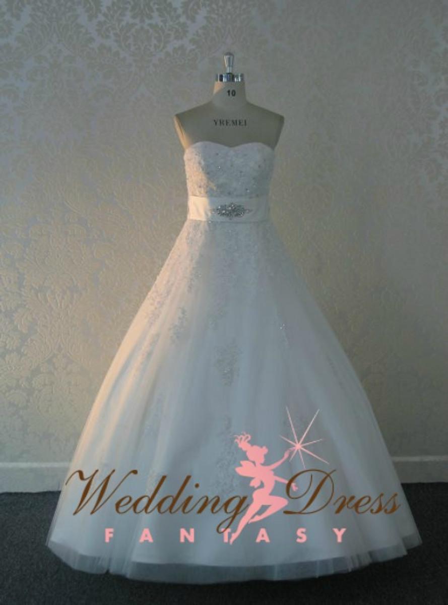 Romantic Aline Lace Wedding Dress with Sweetheart Neckline