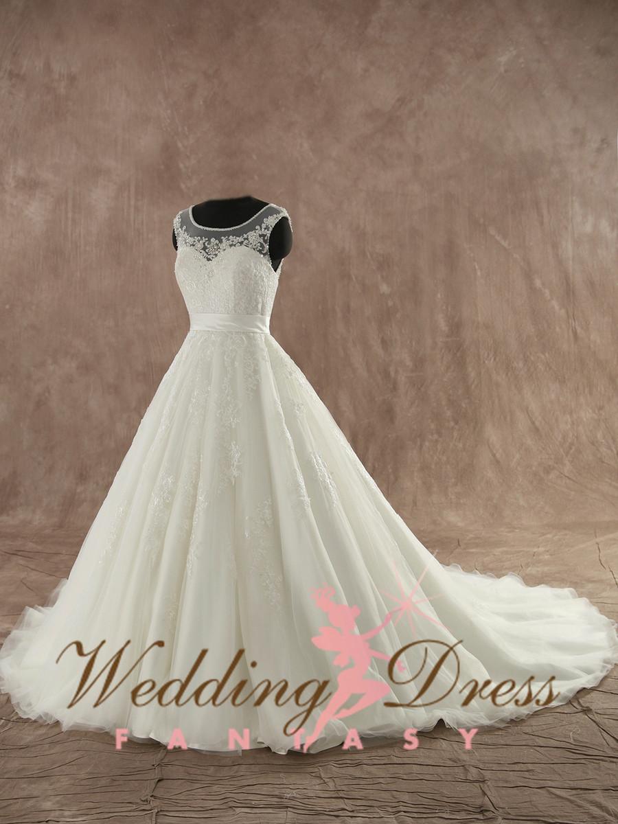 Beautiful Fairytale Lace Wedding Dress