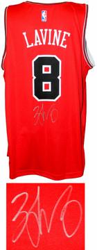 08993e5b2aa7 Zach LaVine Signed Chicago Bulls Red Fanatics Replica Basketball Jersey