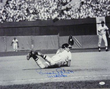 Brooks Robinson Autographed Baltimore Orioles Diving 16x20 Photo JSA 16x Gold Gloves