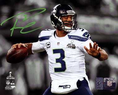 Russell Wilson Autographed Photo - Seattle Seahawks Super Bowl 8x10
