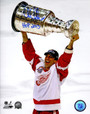 Chris Chelios Signed Detroit Red Wings 2002 Stanley Cup Trophy 8x10 Photo w/HOF 2013