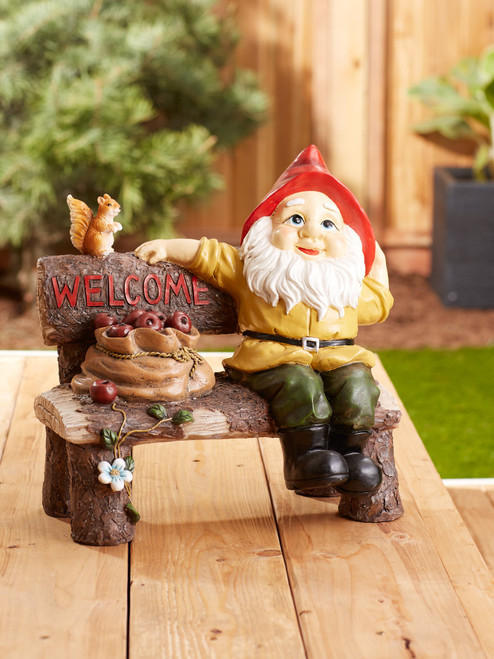 garden gnome greting sign