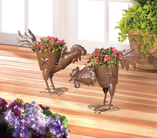 pecking rooster planter