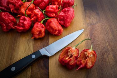 Battle of the Hottest: Ghost Pepper vs. Carolina Reaper Pepper