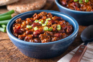 8 Favorite Chili Recipes with Ghost Pepper Hot Sauce