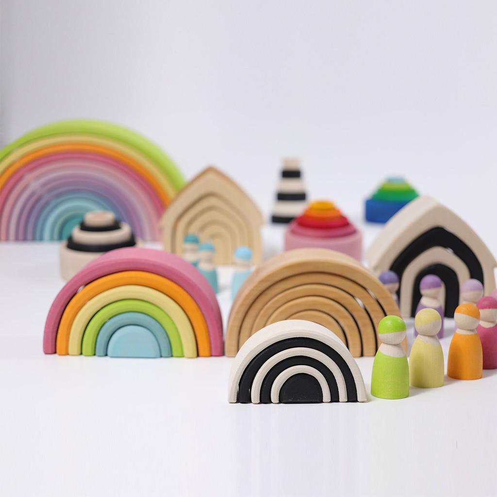 Grimm's Medium Rainbow Natural (6 Pieces)