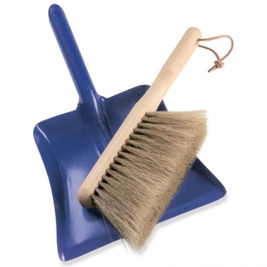 Glueckskaefer Dust Pan and Brush