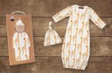 Milkbarn Organic Cotton Newborn Gown & Hat Set - Yellow Giraffe