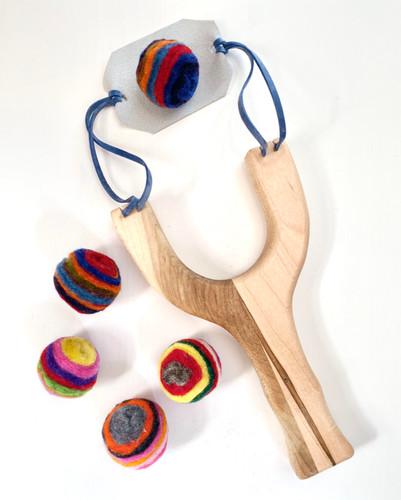 Maple Wood Sling Shot with 5 Layered Felt Balls