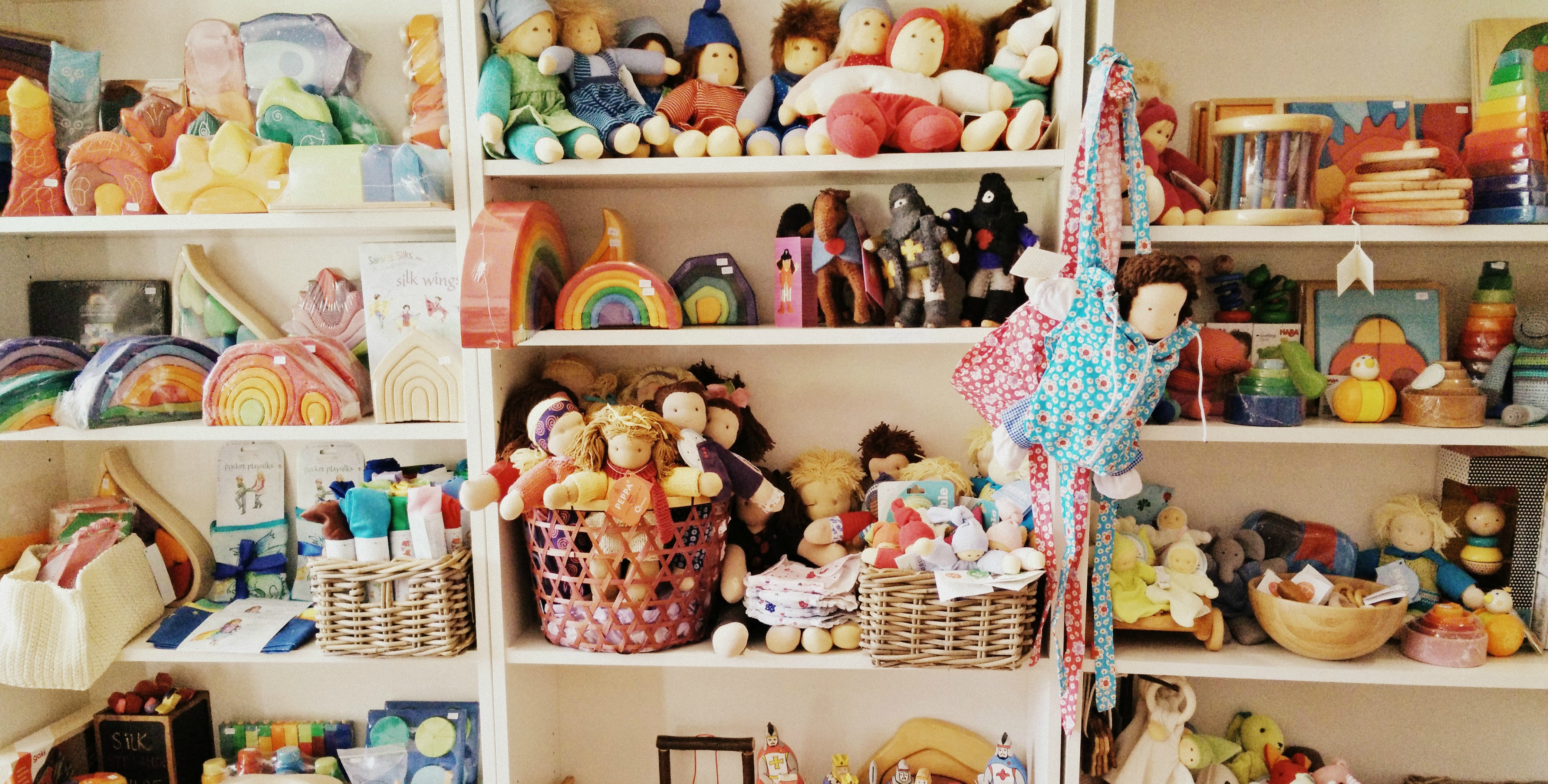 toy-shelf1.jpg