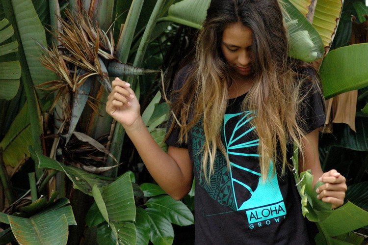 "Aloha Grown ""Tribal Half Kalo"" Ladies Tee"