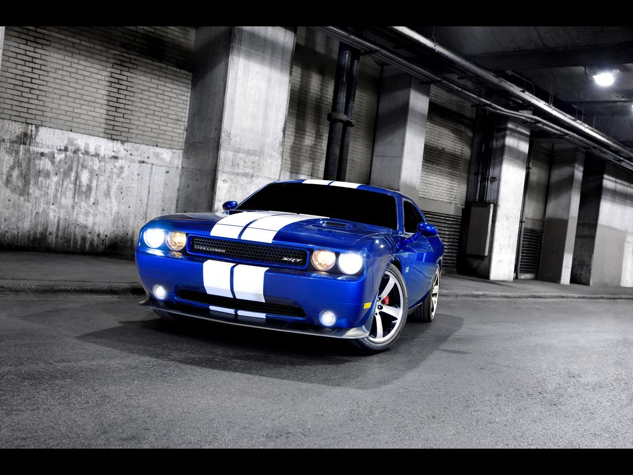 2011-dodge-challenger-srt8-392-front-angle-2-1280x960.jpg