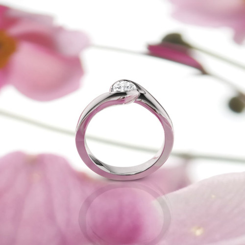 Diamond ring. Solitaire diamond engagement ring. White gold diamond ring. Diamond engagement ring.