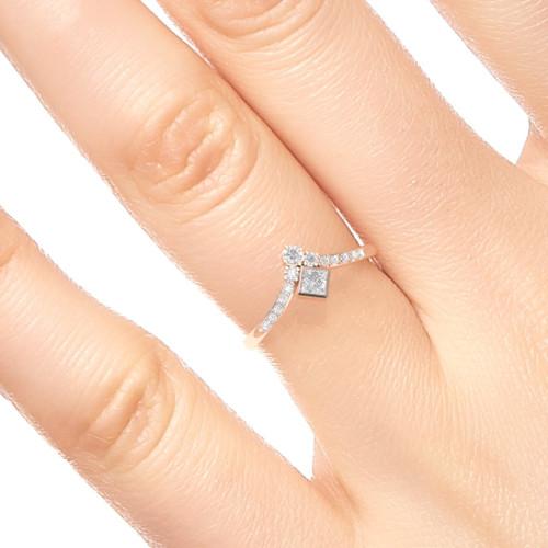 Engagement ring. Diamond ring. Princess diamond ring. Antique style engagement ring. 14K, 18K, Platinum.