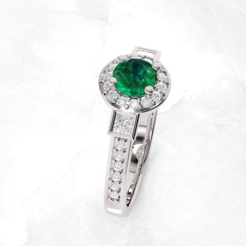 Emerald ring. Engagement ring. Diamond and emerald ring.