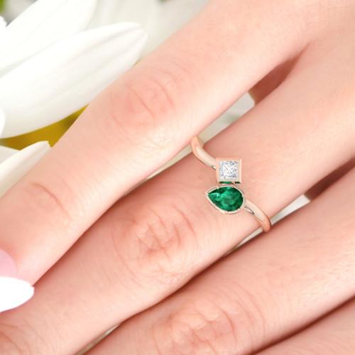 Emerald engagement ring. Pear shape Emerald and Princess diamond. Eternity ring. Wedding ring. 14K / 18K / Platinum.