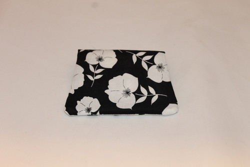 Credit Card / ID Wallet - Black & White Flowers 16