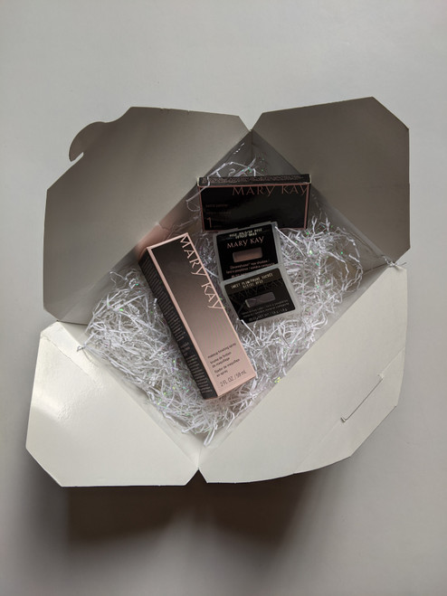 We love the size of this box. It allows you a lot of flexibility, and can be used all year long.