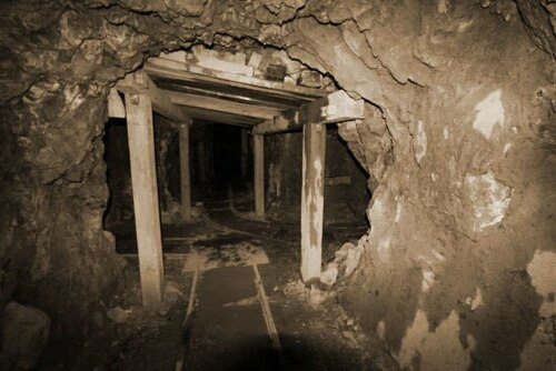 Abandoned Mineshaft - MP3 Download