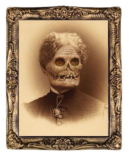 Aunt Hazel - Creepy Holographic Portrait