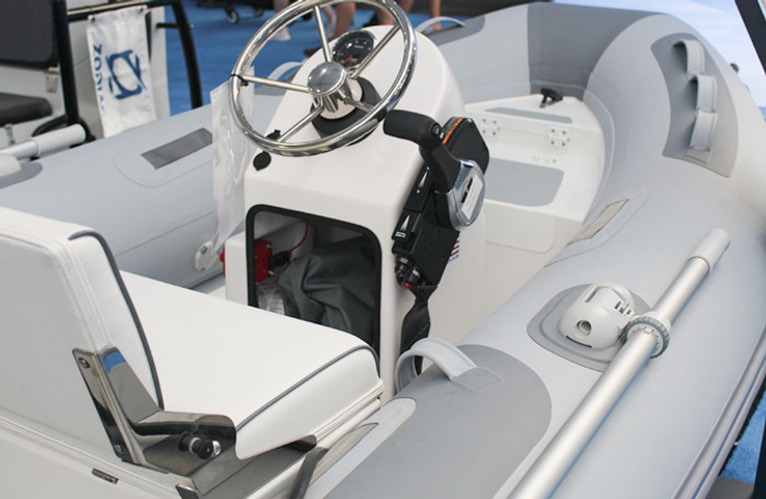 Zodiac Cadet Console & Seat Kit - 300/330