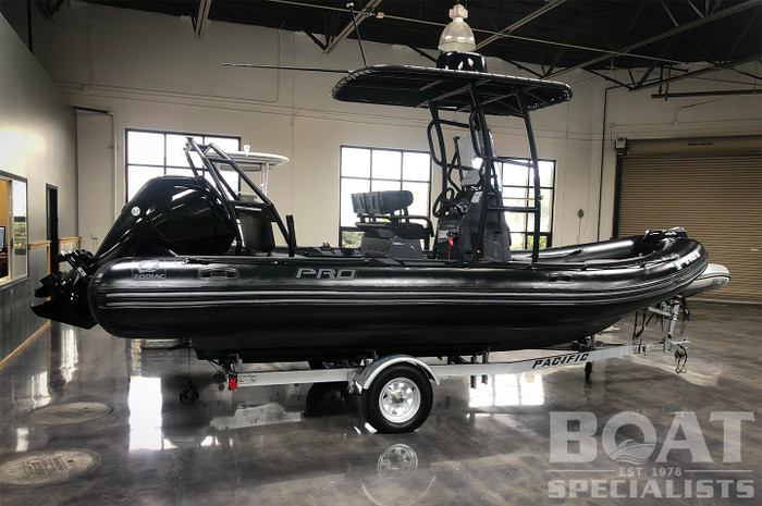 Demo Zodiac Pro Series | Pro 6.5 2021 with Twin Mercury Outboards