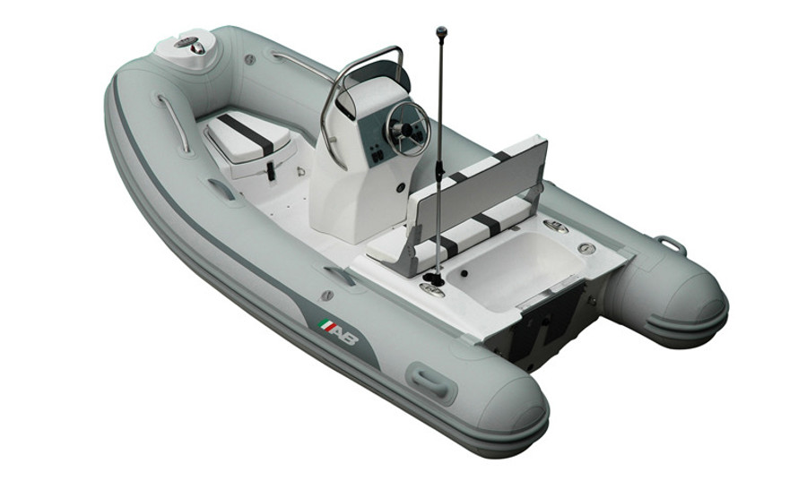 AB Oceanus Series | 11 VST 2021 with Outboard Engine