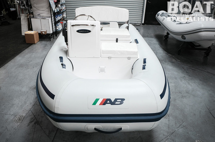 AB Mares Series   10 VSX 2021 with Outboard Engine