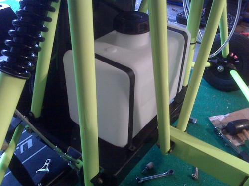 5 Gallon EPA/Carb Compliant Poly Tank for Single Seat