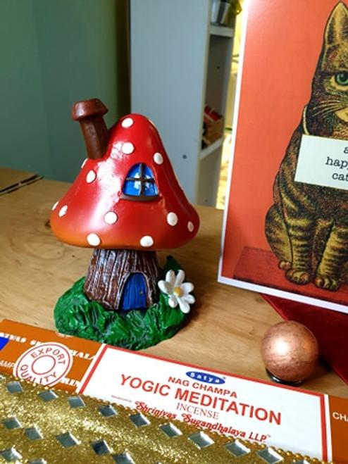 Toadstool Incense Burner (Red)