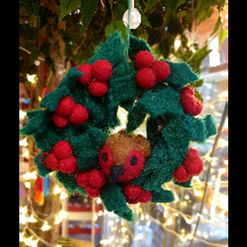 Mini Felt Wreath with Robin