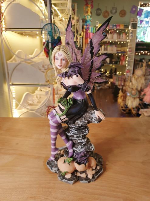 Fairy Figurine - Amethyst & Hatchling