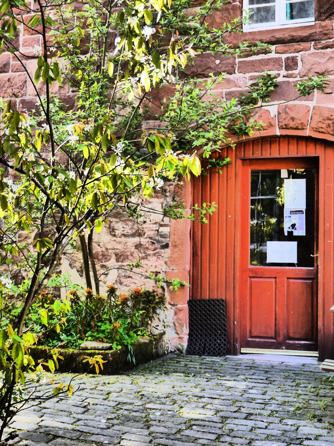 courtyard-detail-small.jpg