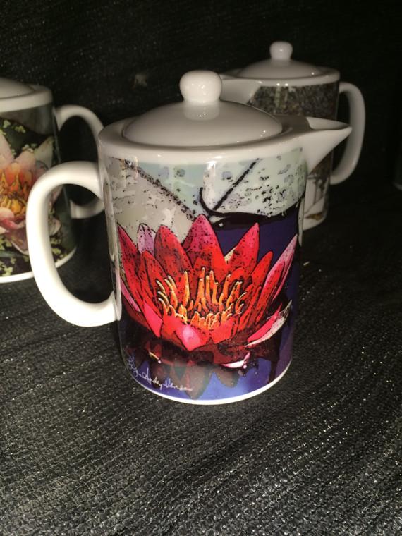 Red Waterlily: Teapot - Creamer - Gravy Pitcher