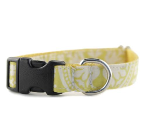 Solana Bow Tie Dog Collar