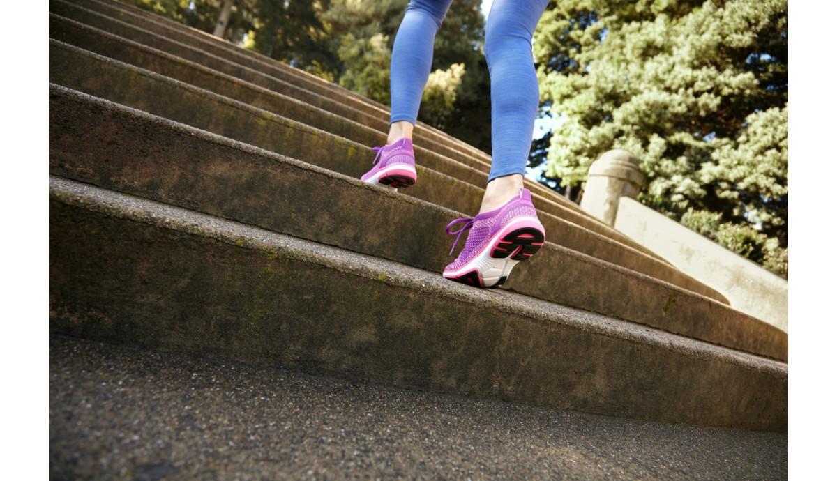 vionic-sierra-active-sneaker-v-pink-on-foot.jpg
