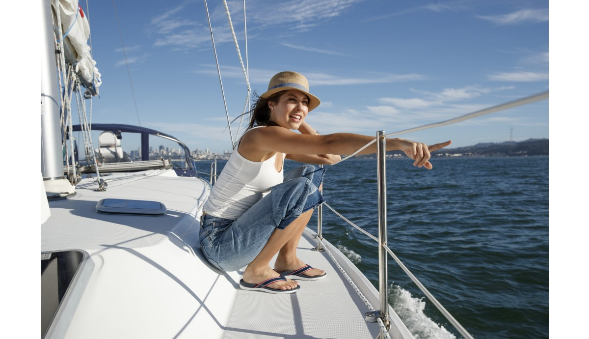 vionic-tide-sport-sandal-on-woman-yacht.jpg