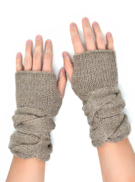 Chunky Cable Texting Mittens