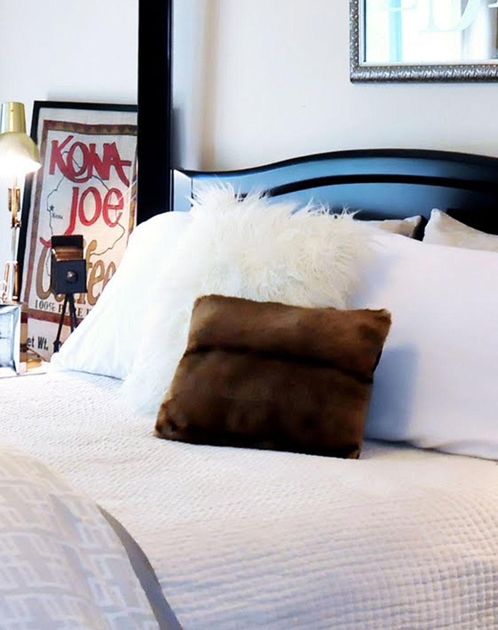 Alpaca Pillows Decor Image 2