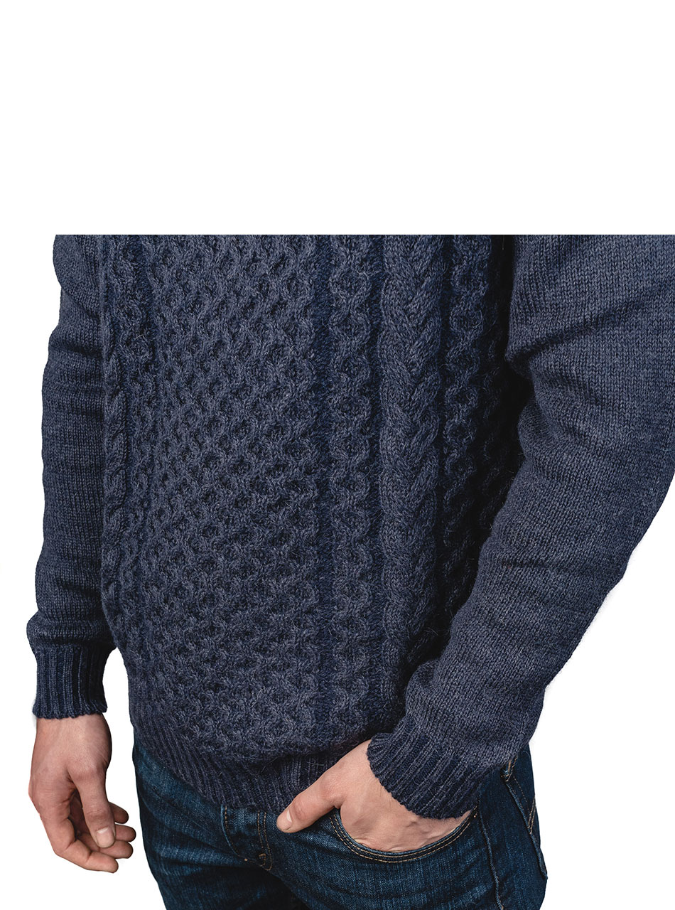 Alpaca Blend Cable Crew Neck Two-Tone Pullover Sweater Blue Carbon - Cuff & Hem detail