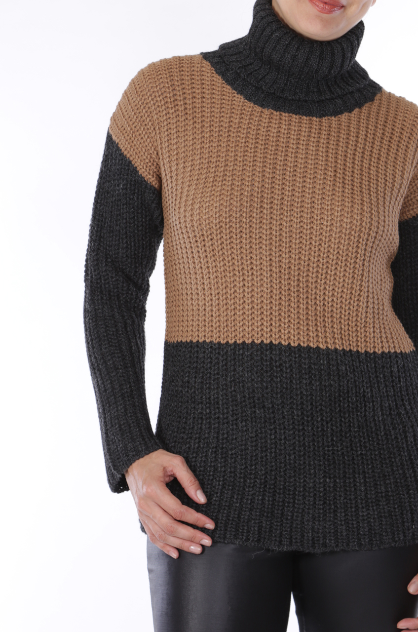 Lydia Color Block Turtleneck Detail