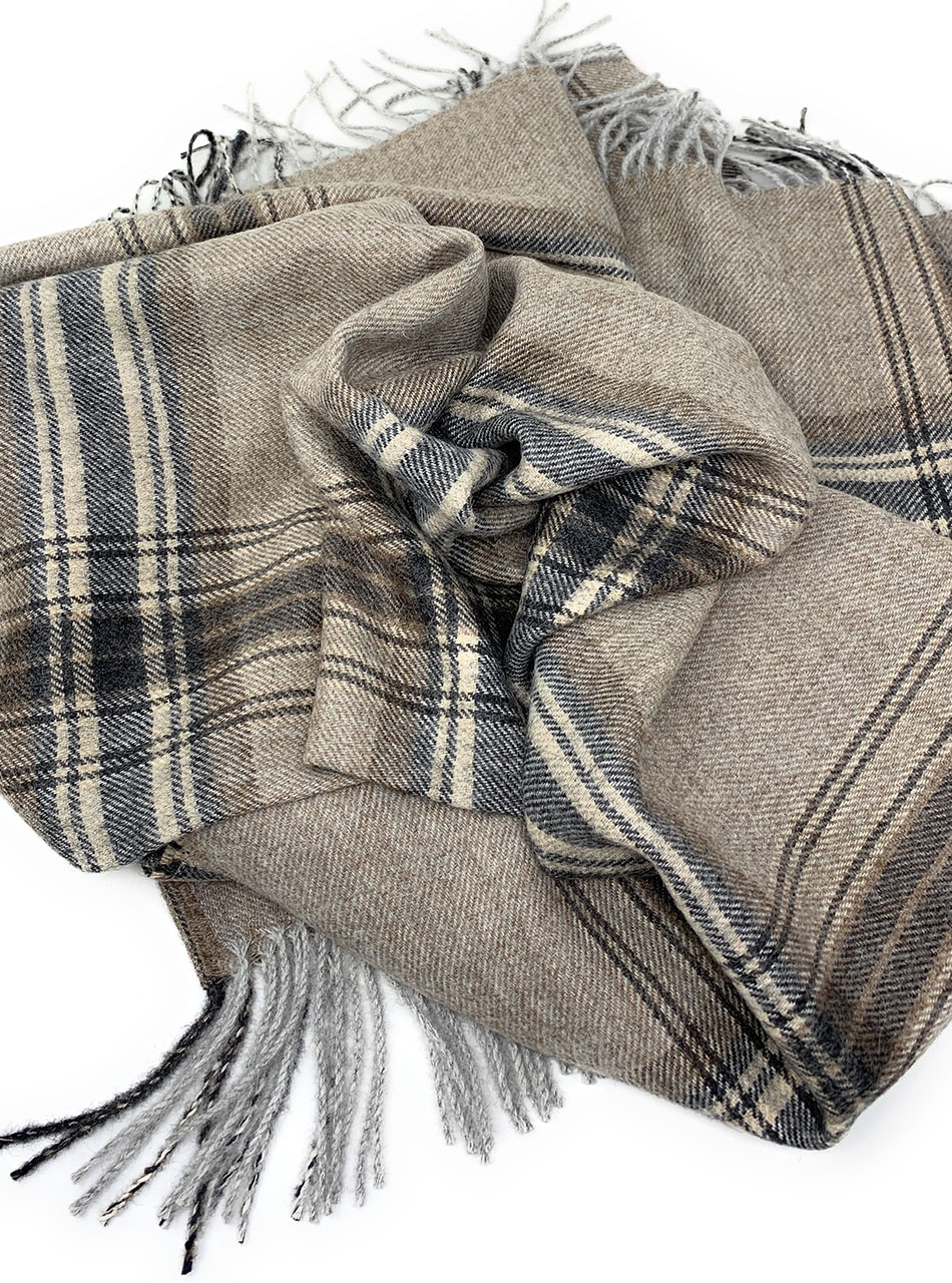 100% Baby Alpaca Wool Great Outdoors Plaid Throw Blanket Close up