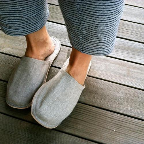 Linen Slipper in Medium
