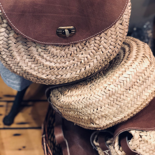 Tinda Adjustable Leather Strap Crossbody Bag
